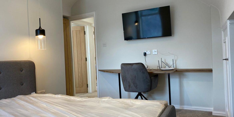 Luxury Student Bedroom - Lenton
